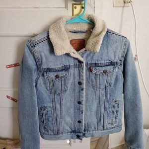 Levi's Sherpa Jean Jacket, in perfect condition !!